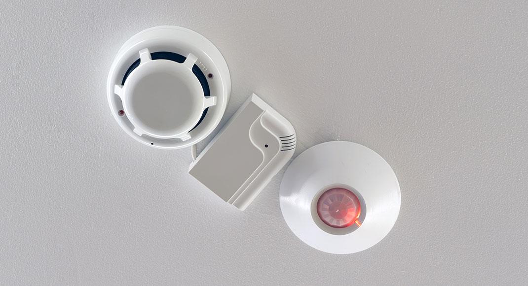 Alarmes techniques et détecteurs fumée ou de fuite d'eau